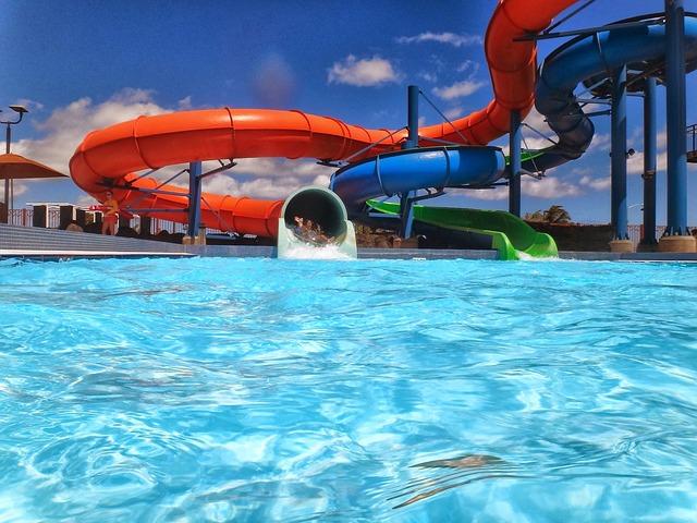 Co nabízí aquaparky a aquacentra v České republice?