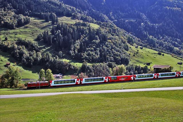 vlak v horách