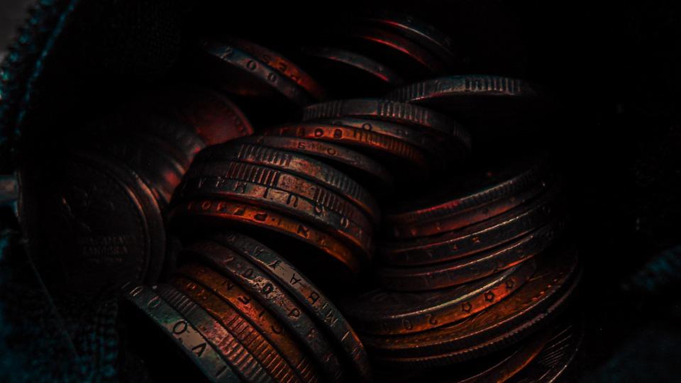 mince v temnu
